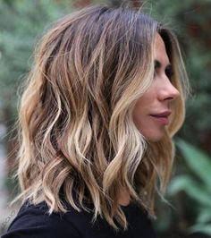Wavy Shaggy Blonde Balayage Lob length hair 2020 60 Fun and Flattering Medium Hairstyles for Women Balayage Lob, Balayage Short Hair, Lob Balyage, Long Bob With Balayage, Blonde Balayage Mid Length, Loose Curls Medium Length Hair, Mid Length Blonde Hair, Bronde Lob, New Hair