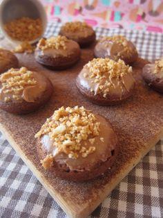 Donuts de cacahuete, cubiertos de crema de cacahuete Sin Lactosa ...Deliciosos !!