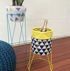Great idea Kmart Hack, Plant Stands, Nursery Decor, Ikea Hacks, Coffee Tables, Outdoor Ideas, Front Porch, Bar Cart, Balcony