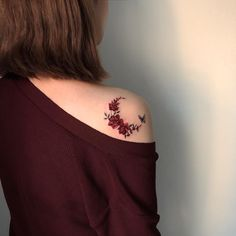 ✔ Cute Tattoos For Women Colour Simplistic Tattoos, Elegant Tattoos, Gorgeous Tattoos, Pretty Tattoos, Unique Tattoos, Colorful Tattoos, Colour Tattoo For Women, Cute Tattoos For Women, Color Tattoo