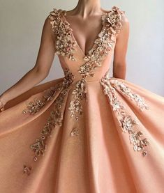 2018 Long Sleeve Gold Prom Dresses,Long Evening Dresses,Prom Dresses On Sale Want a glamorous red carpet look for a fraction of the price? Affordable Evening Dresses, Evening Dresses Uk, Elegant Dresses, Pretty Dresses, Casual Dresses, Fashion Dresses, Sexy Dresses, Formal Dresses, Awesome Dresses