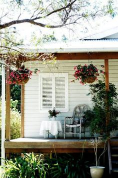 The exterior. contrast weather board colour, to verandah structure in raw wood House Paint Exterior, Interior Exterior, Exterior Design, Home Renovation, Weatherboard House, Queenslander, Architecture Design, Exterior Color Schemes, Australian Homes