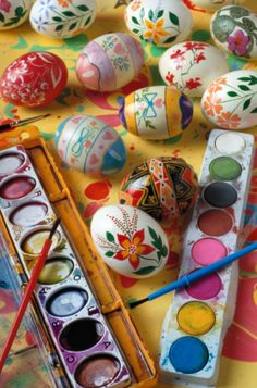 27 AWESOME WAYS TO DYE, DECORATE & DISPLAY EASTER EGGS