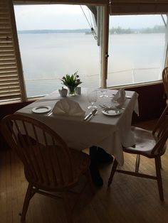 Lakeside dining at Irwin Inn. Lakeside Dining, Country Cooking, Food Preparation, Fine Dining, Outdoor Decor