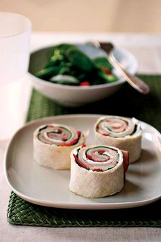 Roll-ups recipe 4 (9-inch) flour tortillas 8 ounces cream cheese, softened 1 bunch lettuce, any kind 8 ounces mozzarella cheese, thinly sliced 1/2 to 1 pound deli-sliced turkey, beef or ham 1 red or green bell pepper, finely chopped