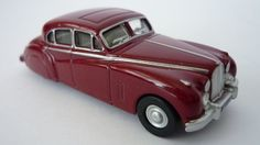 P J Shaw Toys Oxford Diecast 1/76 Claret (Queen Mother) Jaguar MkVIIM Item Code: 76JAG7004 Price: £4.45