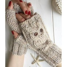 Owl fingerless mitts 5 sizes Knitting pattern by The Lonely Sea - Heather C Pink Gloves, Dress Gloves, Christmas Knitting Patterns, Knitting Patterns Free, Laine Chunky, Fingerless Mitts, Red Heart Yarn, Arm Knitting, Yarn Brands