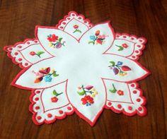Doily with Kalocsa embroidery - KALDOI-TR-234