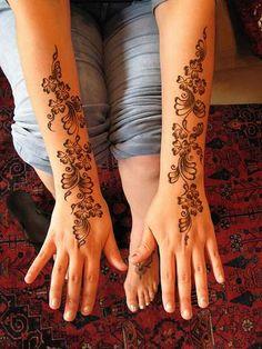 sencillo pero bonito henna tatto