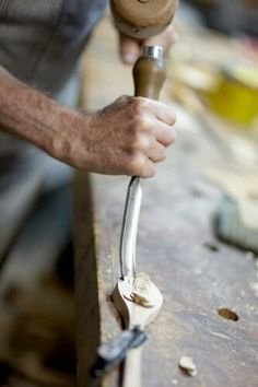 How to make wooden spoons. I may have to see if grandpa can make some blanks for me!