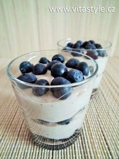 Borůvkový krémový dezert (raw food) :: VitaStyle.cz Raw Food Recipes, Pudding, Raw Recipes, Custard Pudding, Puddings, Avocado Pudding