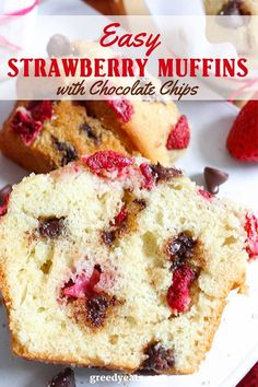 Moist fluffy super tall flavor rich and easy strawberry muffins with ample of ch. Moist fluffy super tall flavor rich and easy strawberry muffins with ample of chocolate chips and s Muffin Recipes, Brunch Recipes, Baking Recipes, Breakfast Recipes, Breakfast Muffins, Kitchen Recipes, Sweet Recipes, Köstliche Desserts, Delicious Desserts