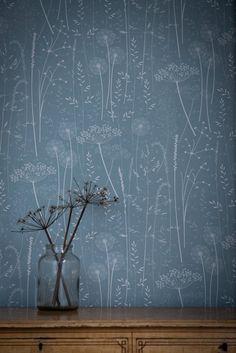 Petrol / botanische tonale Löwenzahn Wald Blumentapete blau /