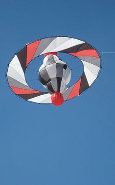 Down Loop Transition – Kite Surf Co Tutorial Go Fly A Kite, Kite Flying, Kite Building, Kite Store, Kites Craft, Stunt Kite, Kite Designs, Bicycle Wheel, Custom Wheels