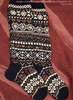 Wool Socks, Knitting Socks, Crafts To Do, Mittens, Knitting Patterns, Knitting, Dots, Tejidos, Knit Socks
