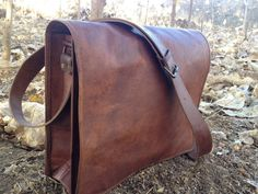9de4f7fbe2 TGL Grunge Messenger. True Grit Leather · TGL Messenger Bags