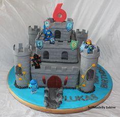 SelfMadeby Sabine: Ritterburg-Torte, Castle, Nexo Knights