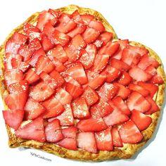 Un San Valentín con este corazón de fresas crema y hojaldre sienta mejor #sanvalentin #sanvalentinesday #valentineday #enamorados #fresas #yamecuido #vidafit #vidasana #vidasanayfit #vidasanamentesana  #fit #fitfood #fitlife #fitness #healthy #healhyfood #healhylifestyle #healthylife #recetas #recetasfit #retovidasana #estilodevida #instafit #instafood #instafitness #food #fooddiary #foodstagram #running #run
