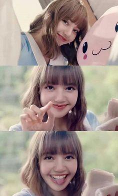 The Royal Maknae💕 Kim Jennie, Blackpink Lisa, Kpop Girl Groups, Kpop Girls, Cute Gifs, Blackpink Video, Divas, Lisa Blackpink Wallpaper, Black Pink Kpop