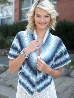 Free Pattern - Elegant shawl increases in complexity on the edges. #knit #shawl #stripe