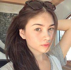 Trendy nature makeup looks filipina Selfie Foto, Filipina Beauty, Filipina Makeup, Beautiful Girl Makeup, Teen Girl Photography, Most Beautiful Faces, Cute Girl Face, Girls Makeup, Aesthetic Girl