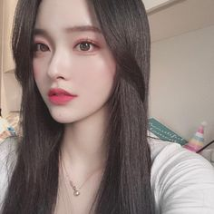 Image may contain: 1 person, selfie and closeup Pretty Korean Girls, Cute Korean Girl, Pretty Asian, Cute Asian Girls, Cute Girls, Mode Ulzzang, Ulzzang Korean Girl, Korean Beauty, Asian Beauty