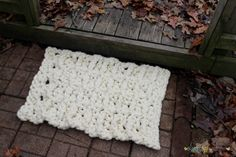 Chunky Yarn Outdoor Rug free #crochet pattern by Busting Stitches