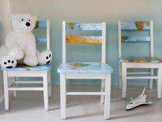 Decoupage kids chairs with maps. What an adorable idea! Decoupage kids chairs with maps. What an adorable idea!