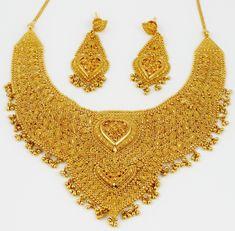 gold-jewelry-