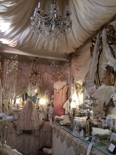 Sheelin Lace London Liliana's dream dressing room!