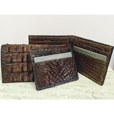 Whether he's a minimalist who prefers card cases or likes to carry twenty business cards we're sure to have the right size alligator wallet for him! #cardcase #mensgift #madeinusa #alligator