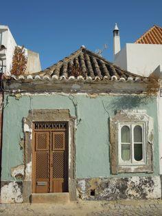 Porta de reixa em Tavira Portugal, Algarve, Door Entryway, Knock Knock, Shutters, Portuguese, Old Houses, Beautiful Images, Gazebo