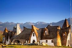 Clay Castle Hotel in Transylvania - Unusual Places Carpathian Mountains, Little Gardens, The Beautiful Country, Beautiful Places To Visit, Amazing Places, Monument Valley, Places To Go, Tower, Transylvania Romania