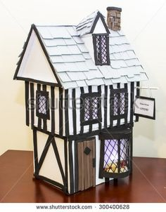 School Projects, Home Projects, The Fire Of London, Tudor Era, Arts And Crafts, Paper Crafts, Tudor House, London House, Child Models