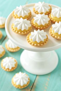 mini lemon meringue pies - she made hers with pre-made pie crusts, but I have a mini-tart pan I can use with home-made shells. mini lemon meringue pies - she made hers with pre-made pie crusts, but I have a mini-tart pan I can use with home-made shells. Mini Desserts, Lemon Desserts, Just Desserts, Mini Dessert Tarts, Tea Party Desserts, Mini Dessert Recipes, Apple Desserts, Baking Desserts, Health Desserts