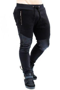 Jogger negro con cuerina by IAN – urbanwear.co Mens Joggers Sweatpants, Black Joggers, Nike Joggers, Jogger Pants, Best Mens Fashion, Sport Fashion, Formal Dresses For Men, Style Masculin, Sport Pants
