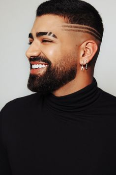 Cool Hairstyles For Men, Short Black Hairstyles, Haircuts For Long Hair, Modern Hairstyles, Haircuts For Men, Faded Beard Styles, Hair And Beard Styles, Curly Hair Styles, Hair Designs For Men