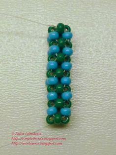 Free detailed tutorial with step by step photos on cubic right angle weave (CRAW) beading technique in a single thread stringing method. Full CRAW tutorial. Great for beginners!