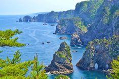 kitayamazaki_cliffs_iwate Japan Travel, Japan Trip, Earthquake And Tsunami, Ansel Adams, 12th Century, Outdoor Recreation, Winter Scenes, Lonely Planet, World Heritage Sites