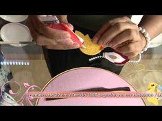 Veja como fazer um lindo enfeite de porta de maternidade! - YouTube
