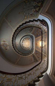 Riga  Art Nouveau Museum, Latvia...and id be staring straight up, twirling,... Art Nouveau Architecture, Architecture Design, Amazing Architecture, Riga Latvia, Beautiful Buildings, Doorway, Spiral Staircases, Grand Staircase, Staircase Design