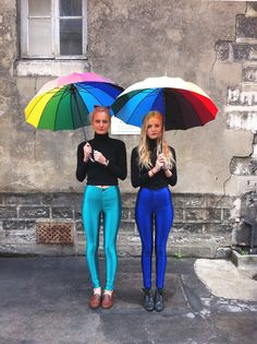 Annabelle and Signe wearing the American Apparel Disco Pants and the Rainbow umbrellas. American Apparel, Disco Hose, Disco Pants Outfit, Friend Outfits, Kinds Of Clothes, Poses, Ideias Fashion, Leather Pants, Fashion Outfits
