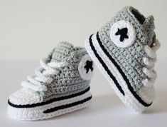 Knit Shoes, Crochet Baby Shoes, Crochet Baby Clothes, Crochet For Boys, Crochet Slippers, Mode Crochet, Knit Crochet, Baby Knitting Patterns, Crochet Patterns