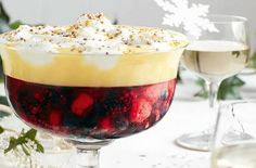 Slimming Slimming World Christmas recipes - Slimming World's mulled wine trifle - goodtoknow - We've got lots of easy Slimming World Christmas recipes for you to make including Slimming World Christmas desserts, dinner classics and Slimming World Trifle, Slimming World Mince Pies, Slimming World Puddings, Slimming World Desserts, Slimming World Recipes Syn Free, Trifle Desserts, Dessert Recipes, Cold Desserts, Snacks Recipes