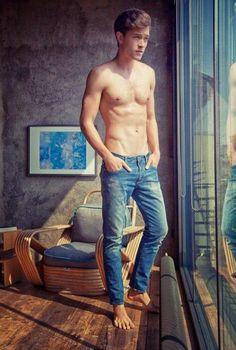 Denim on denim, on him, which is male model Francisco Lachowski. See the latest campaign series for the Mavi menswear line. Francisco Lachowski, Teen Models, Male Models, Pretty Boys, Cute Boys, Fab Boys, Hot Guys, Sexy Guys, Hot Men