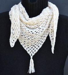 Ravelry: Crochet cashmere shawl/Virkad cashmereschal pattern by Karin M Andersson Crochet Shawls And Wraps, Crochet Scarves, Crochet Yarn, Crochet Clothes, Free Crochet, Ravelry Crochet, Cashmere Shawl, Crochet Handbags, Crochet Accessories