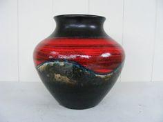 Hoi! Ik heb een geweldige listing gevonden op Etsy https://www.etsy.com/nl/listing/201830426/dumler-und-breiden-redblack-vase