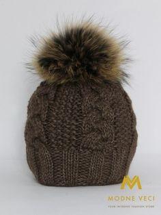 Dámska čiapka hneda s bambulou z pravej kožušiny 3091/64