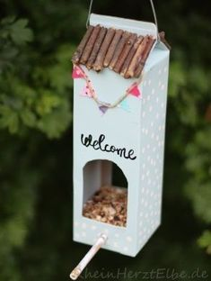 Home Sweet Home milk carton bird feeder.how to. Home Sweet Home milk carton bird f Kids Crafts, Diy And Crafts, Arts And Crafts, Rock Crafts, Homemade Crafts, Upcycled Crafts, Milk Carton Crafts, Bird Feeder Craft, Ideas Hogar