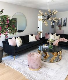 How To Manage Romantic Living Room Decor 44 Romantic Living Room, Glam Living Room, Living Room Decor Cozy, Living Room Accents, Interior Design Living Room, Living Room Designs, Blue And Pink Living Room, Interior Colors, Pink Room